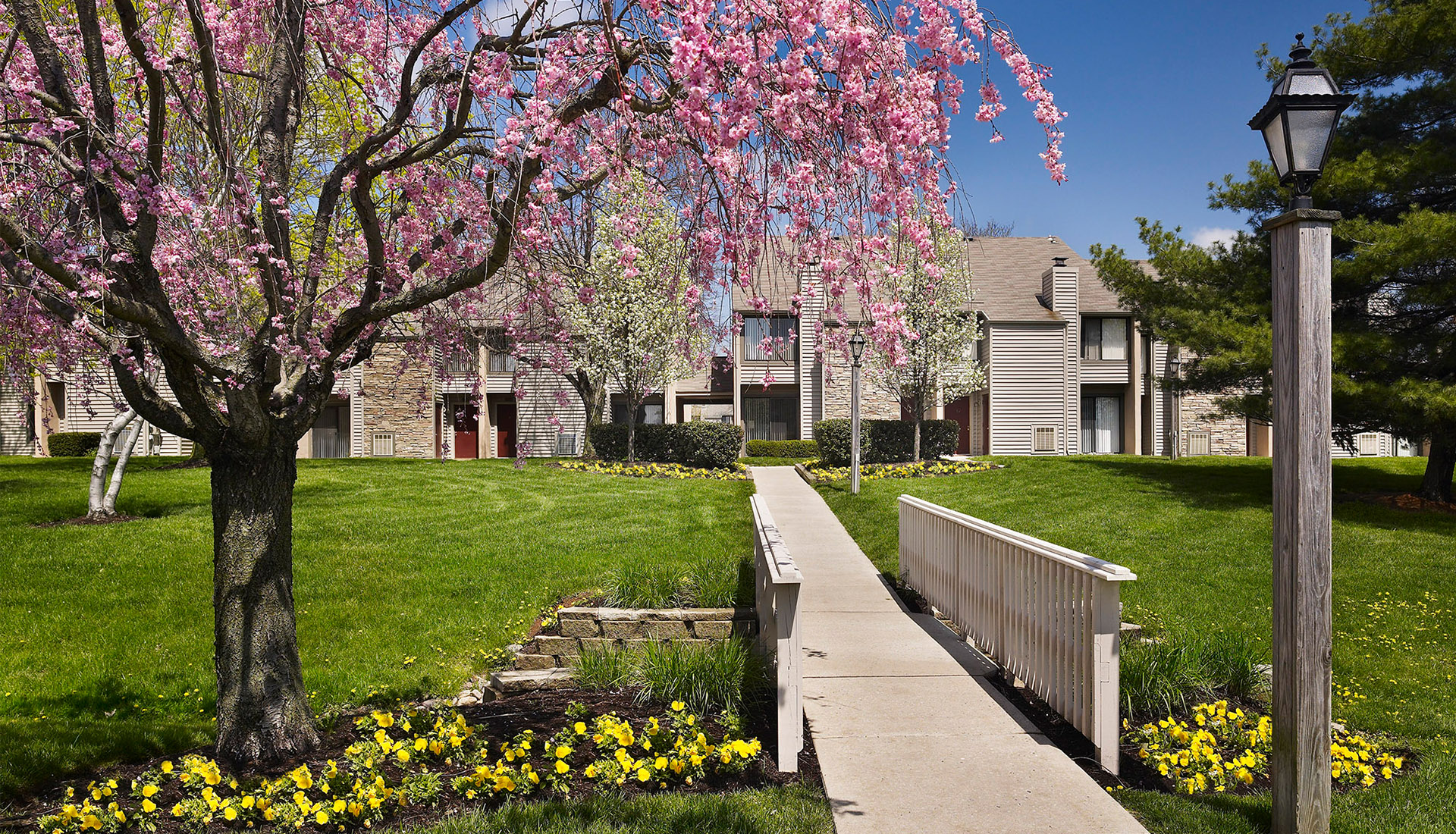 Blue Bell Apartments, Luxury Townhomes in Montgomery County, PA