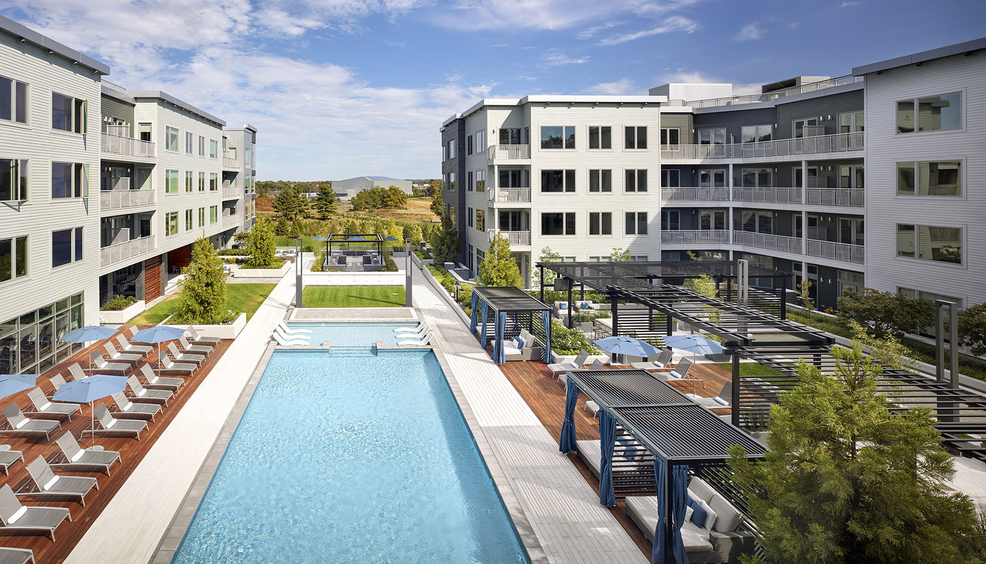AVE Florham Park aerial view looking over pool courtyard