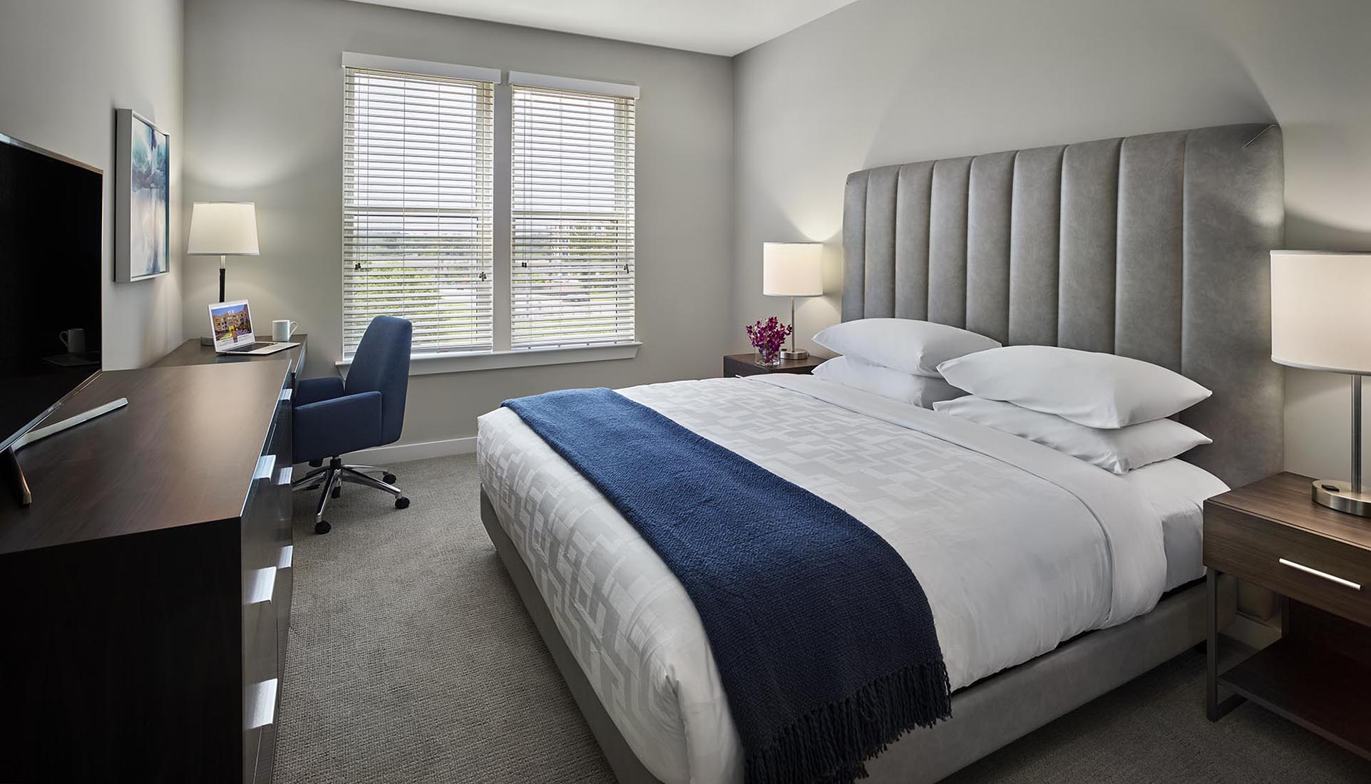 AVE King of Prussia furnished bedroom